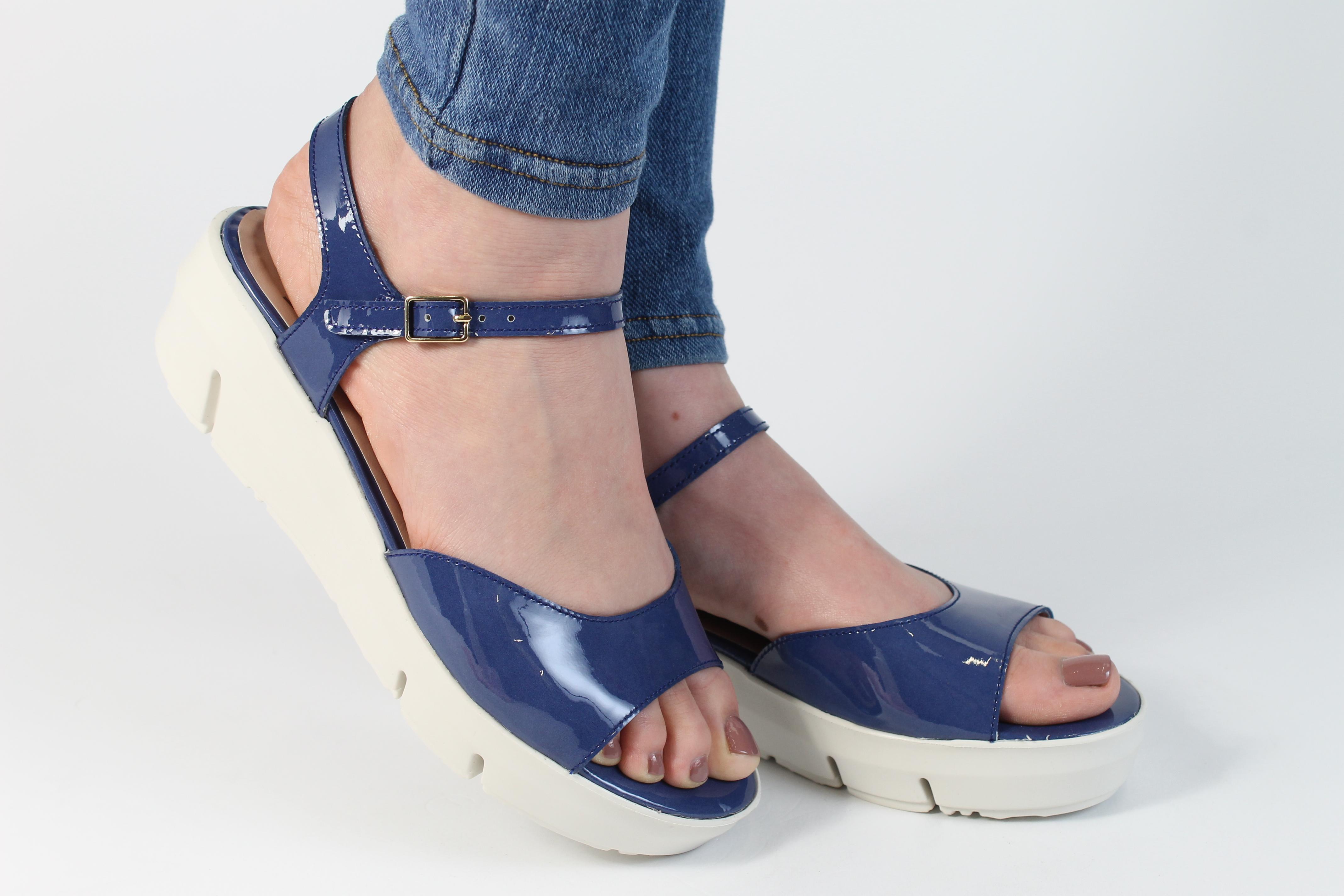 D 8201 Jeans 2